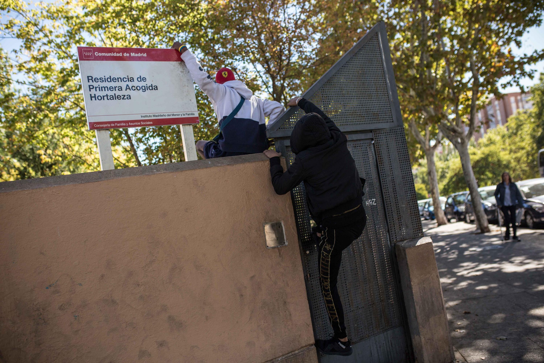 Madrid: Cuatro menores del centro de acogida de Hortaleza están siendo  tratados de sarna mientras continúa el hacinamiento | Público