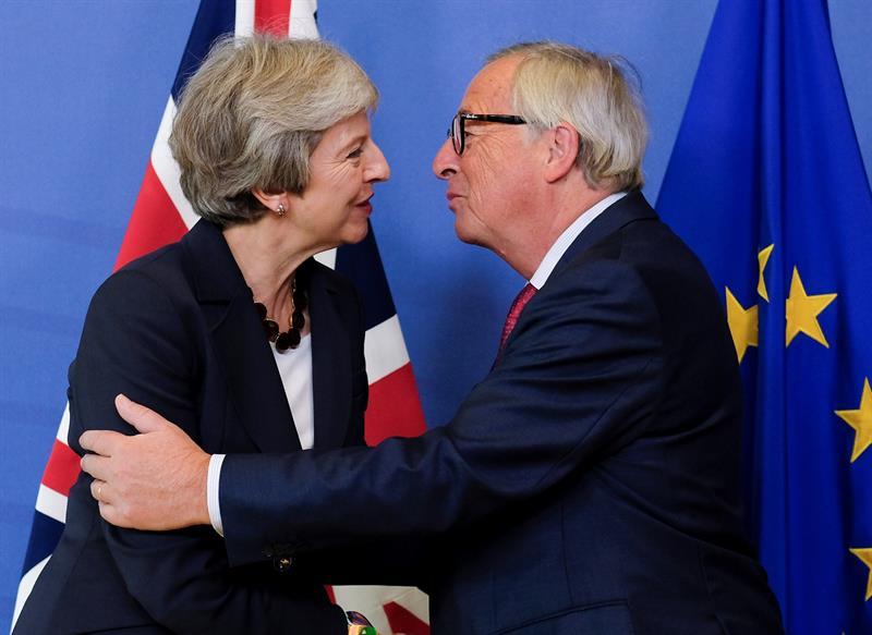 Macron advierte en la cumbre europea de que Londres se dirige a un 'Brexit' duro si no hay acuerdo