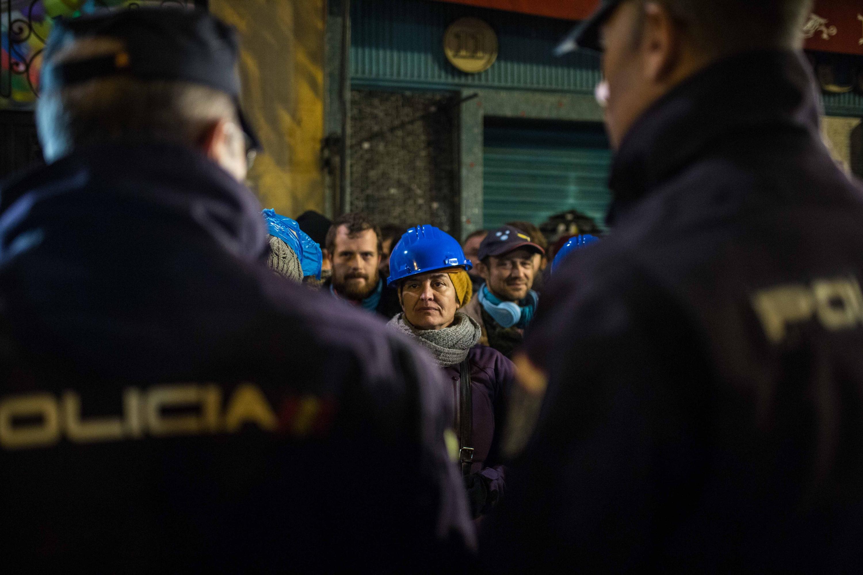 Piden más de 4 años de prisión a un activista de la PAH por fotografiar la comisión judicial que efectuaba un desahucio