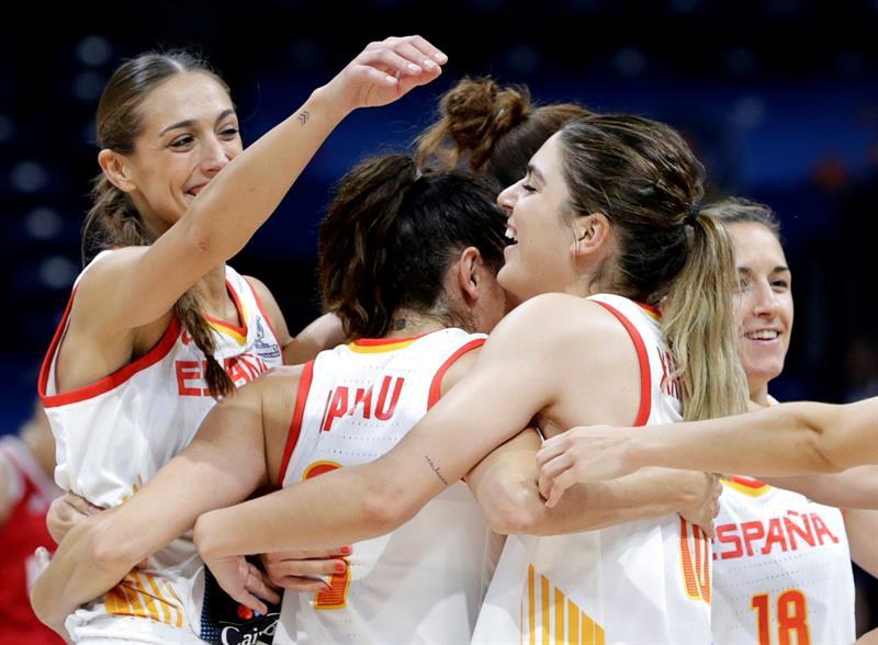 Selección femenina de baloncesto: La selección española femenina de  baloncesto sella el pase a semifinales con una lección defensiva   Público