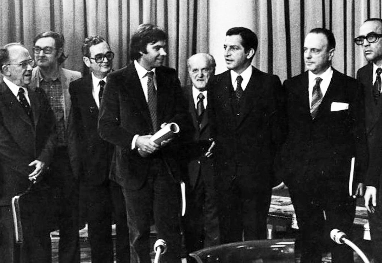 Pactos de la Moncloa: Las siete preguntas clave sobre el papel de ...