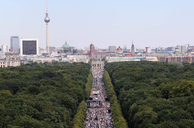 Protesta negacionista en Alemania: Tribunal berlinés deroga prohibición a  marcha contra restricciones por COVID | Público