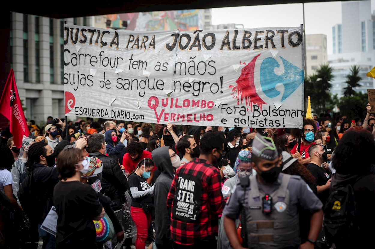 Brasil vive su Black Lives Matter tras el brutal asesinato de un ciudadano negro por dos vigilantes de un Carrefour | Diario Público