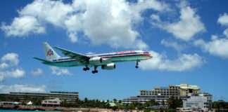 Aeropuerto aterrizando en San Martín