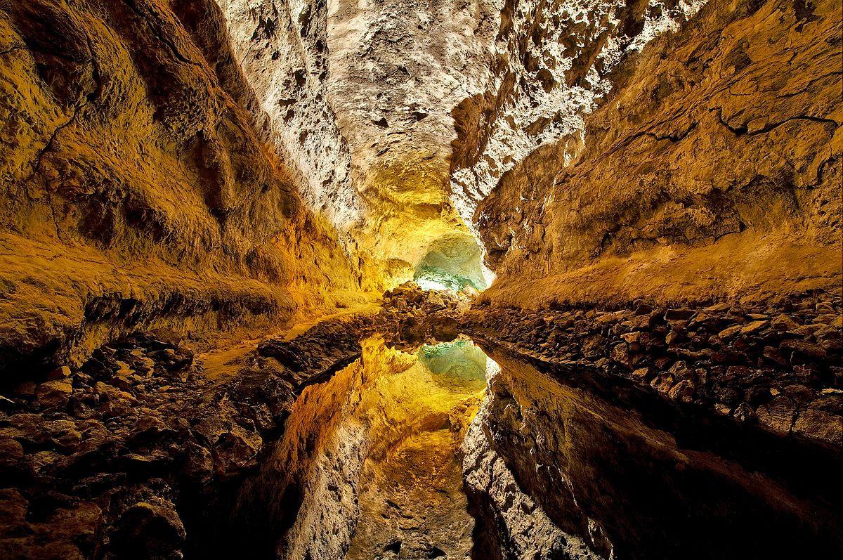 La Cueva de los Verdes - Lviatour