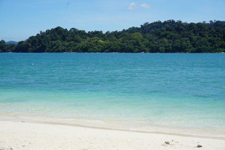 Foto mía de una playa de Langkawi