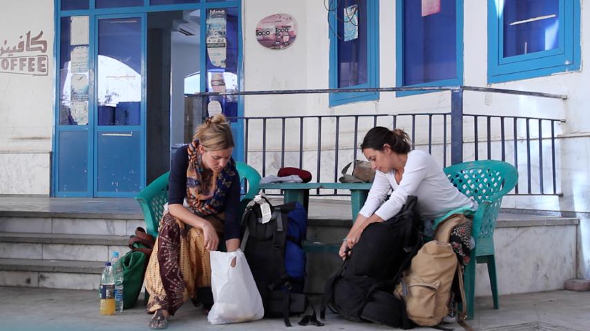 Anne y María durante su viaje juntas desde Egipto a Alemania, por tierra y mar
