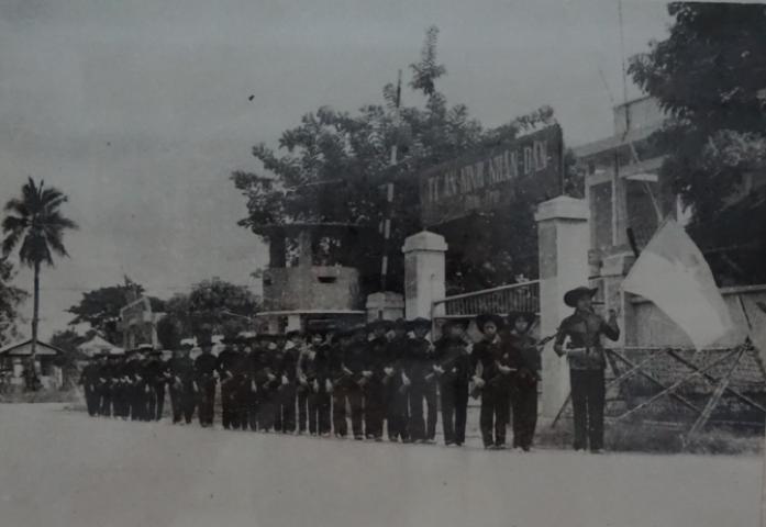 El Ejército del Pelo Largo en los primeros días de la liberación nacional. Fotografía del archivo del Museo de Ben Tre.