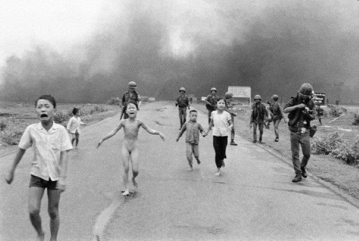 La famosa foto de Kim Phuc, la niña escapando de un ataque de napalm, en la guerra de Vietnam. Fuente CNN España