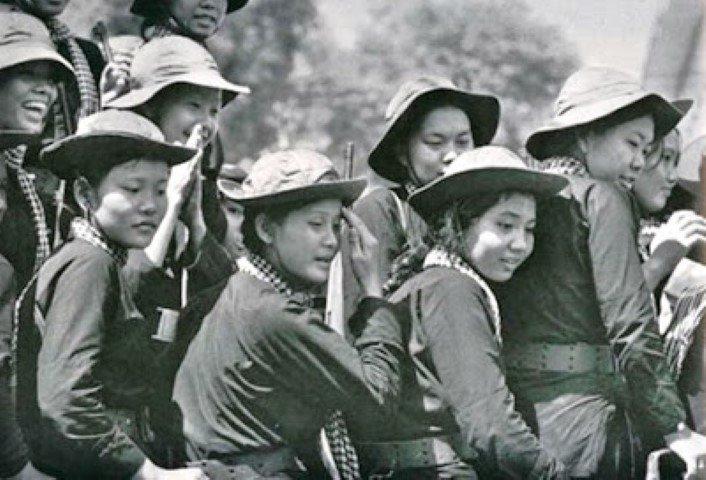Mujeres militares. Fuente Artistas o Guerreras