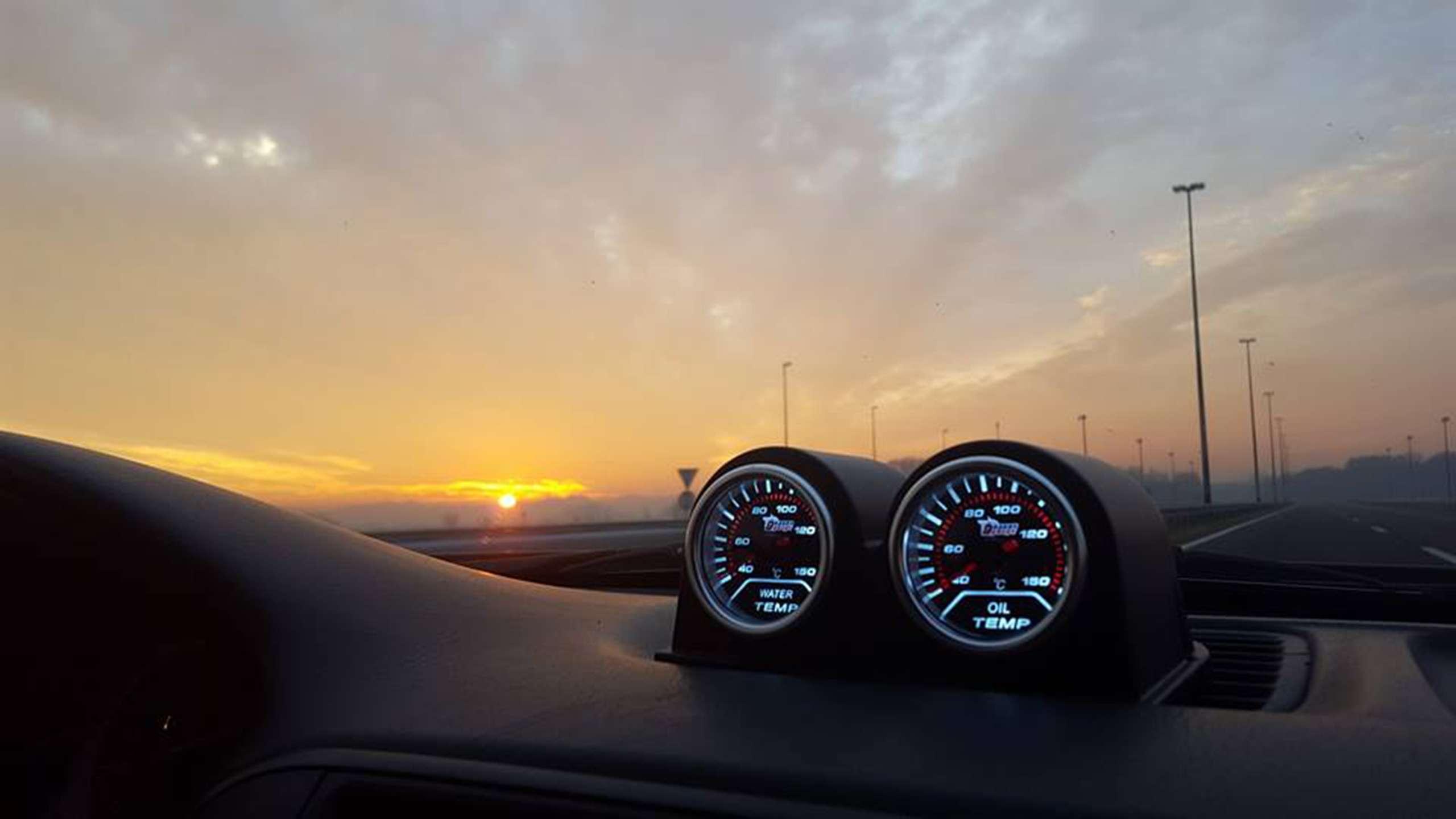 Qué revisar en el coche antes de salir de viaje