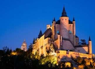 Diez castillos de cuento de hadas para visitar en invierno