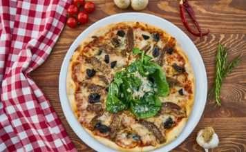 La pizza es un clásico de Italia.