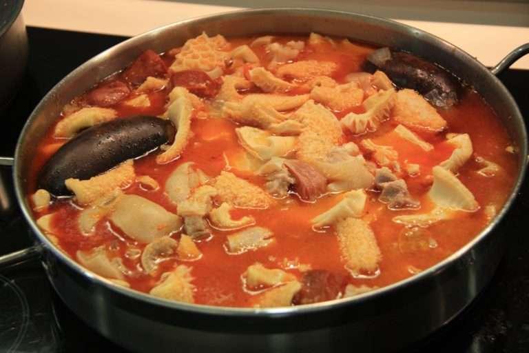 Ocho platos típicos españoles que los turistas no se atreven a probar